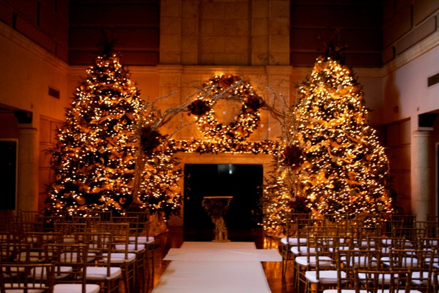 The First Wedding We Have To Share Took Place At Isleworth Golf And Country Club Which Features Gorgeous Ivory Gold Christmas Trees