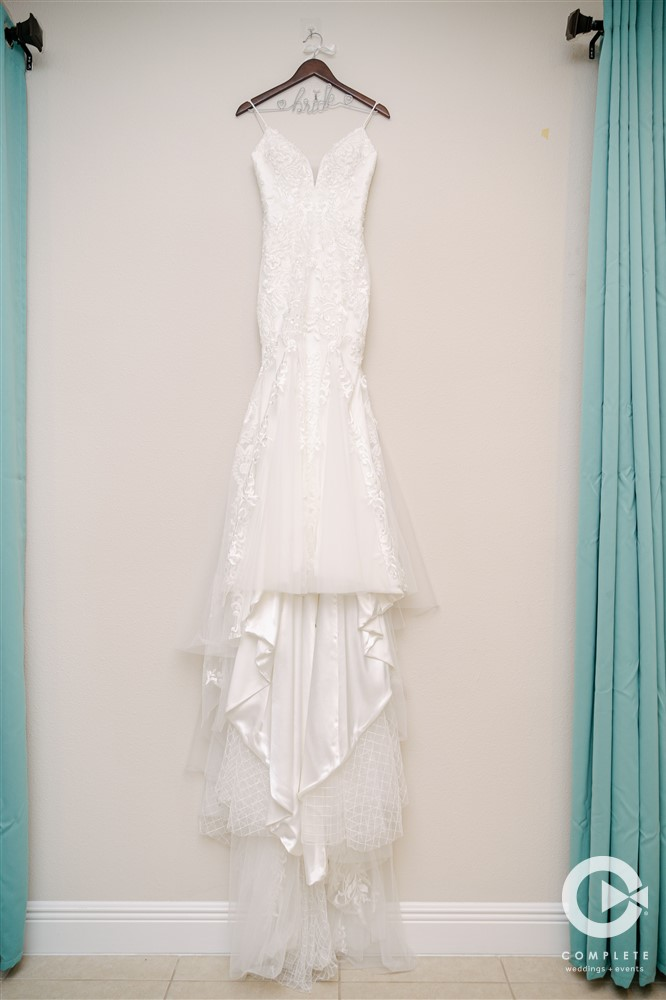 April Wedding - Just marry Weddings - Complete Weddings and Events - Wedding Dress
