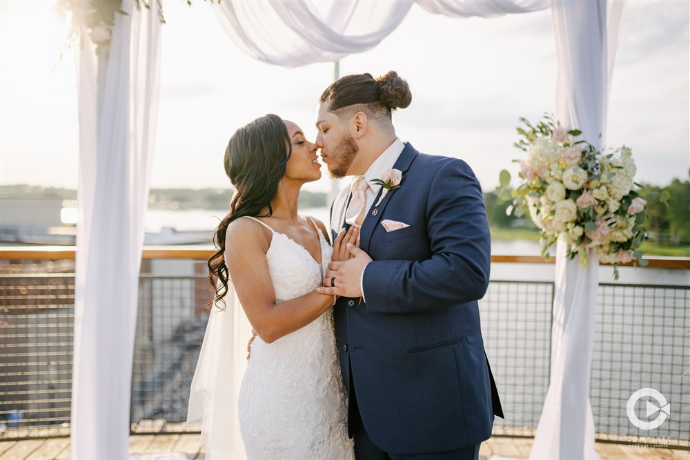 April Wedding - Just marry Weddings - Complete Weddings and Events - Portraits
