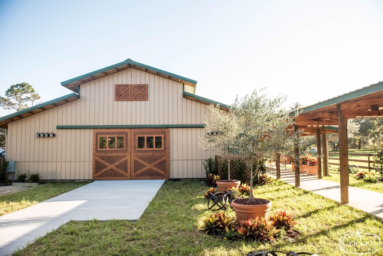 Florida Barn Wedding | Why2Wed@ BLB Hacienda