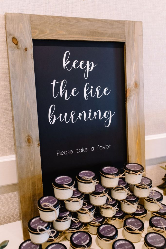 Burgundy and Blush Wedding - Just Marry Weddings - JP Pratt Photography - Candle Favors