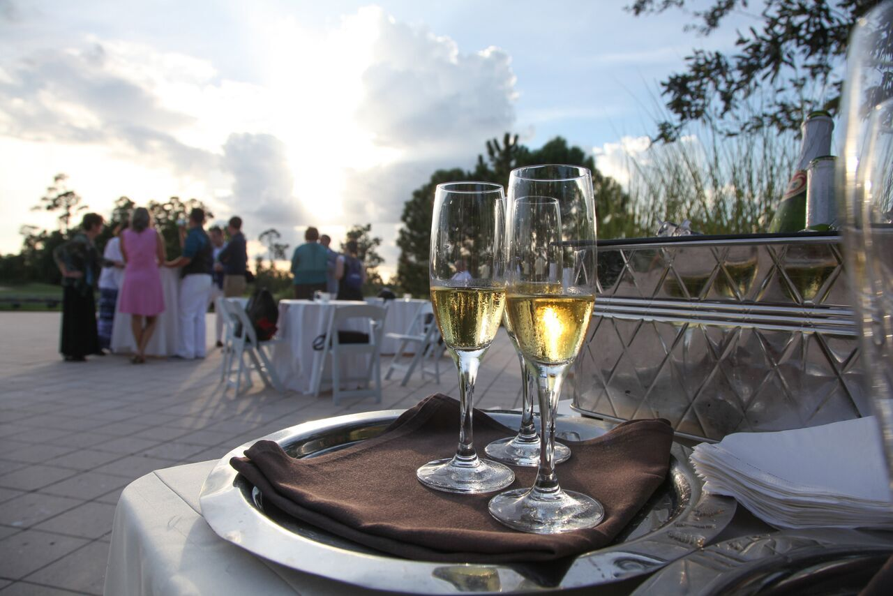 10 Ways to WOW Your Guests at Your Orlando Destination Wedding
