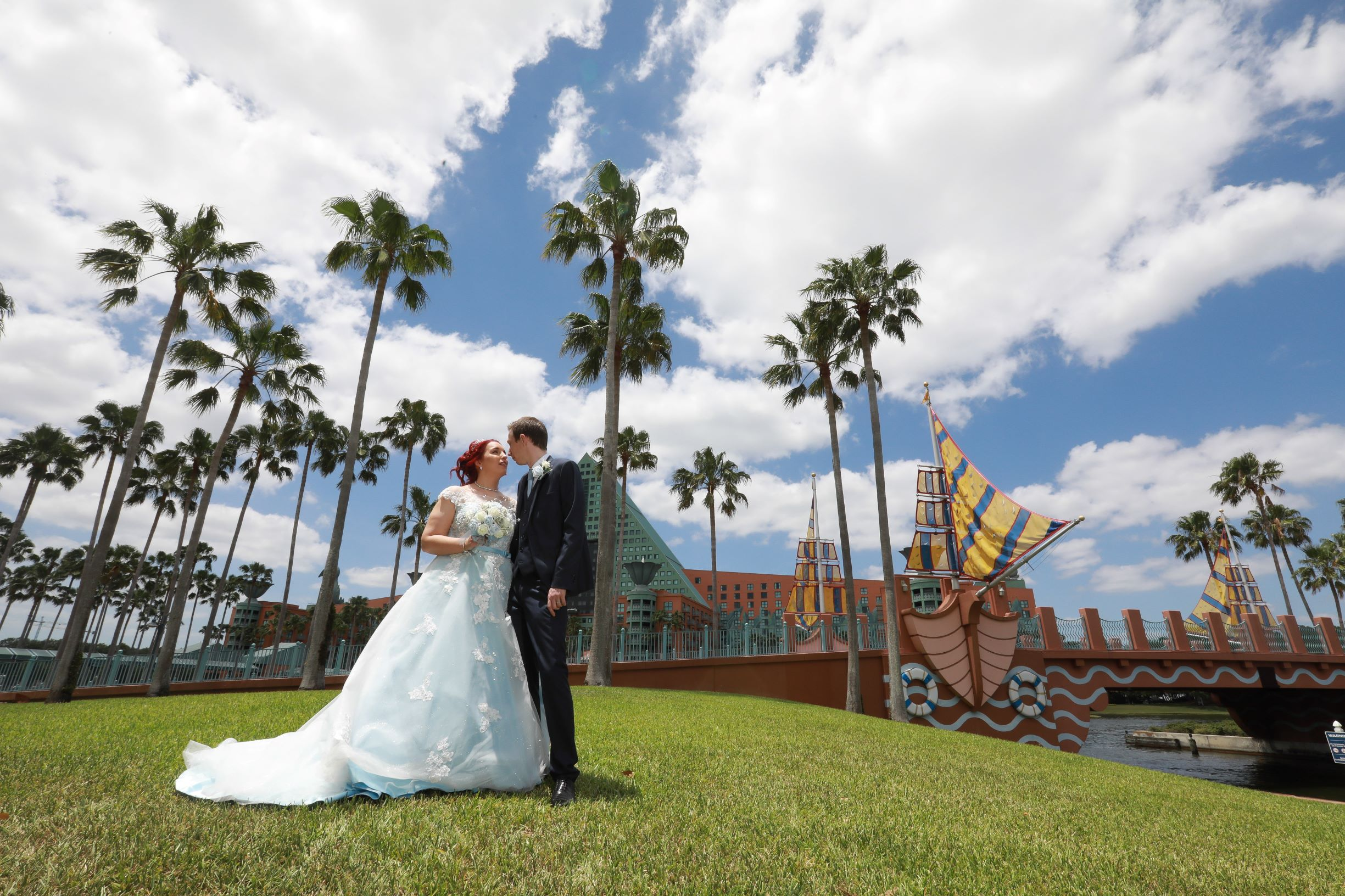 Swan Disney Wedding Orlando | The Real Wedding of Kelly and Steven