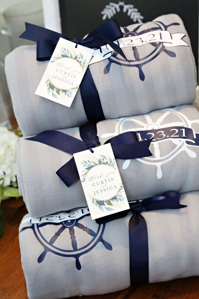 January Wedding - Just Marry Weddings - Regina Hyman Photo - Paddlefish - Blanket Favors