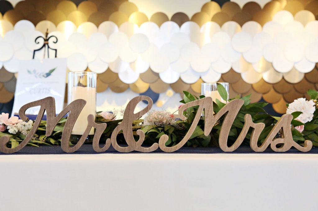 January Wedding - Just Marry Weddings - Regina Hyman Photo - Paddlefish - Wedding Signs