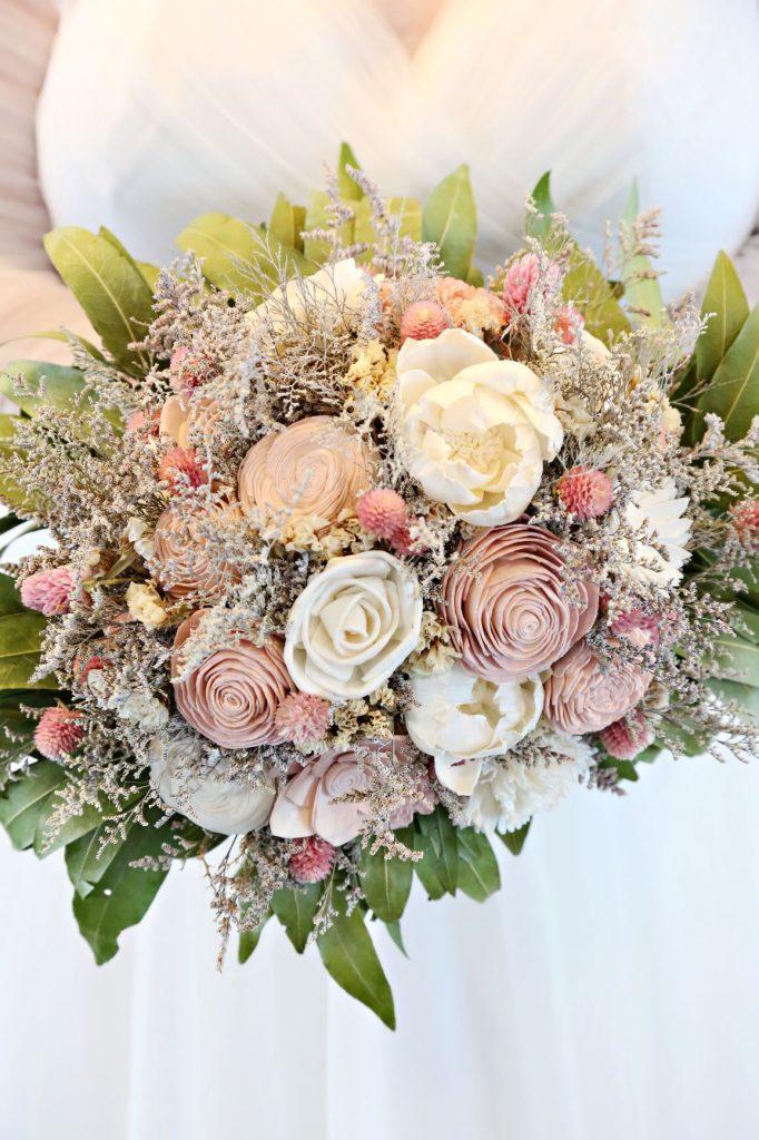 January Wedding - Just Marry Weddings - Regina Hyman Photo - Paddlefish - Bouquet