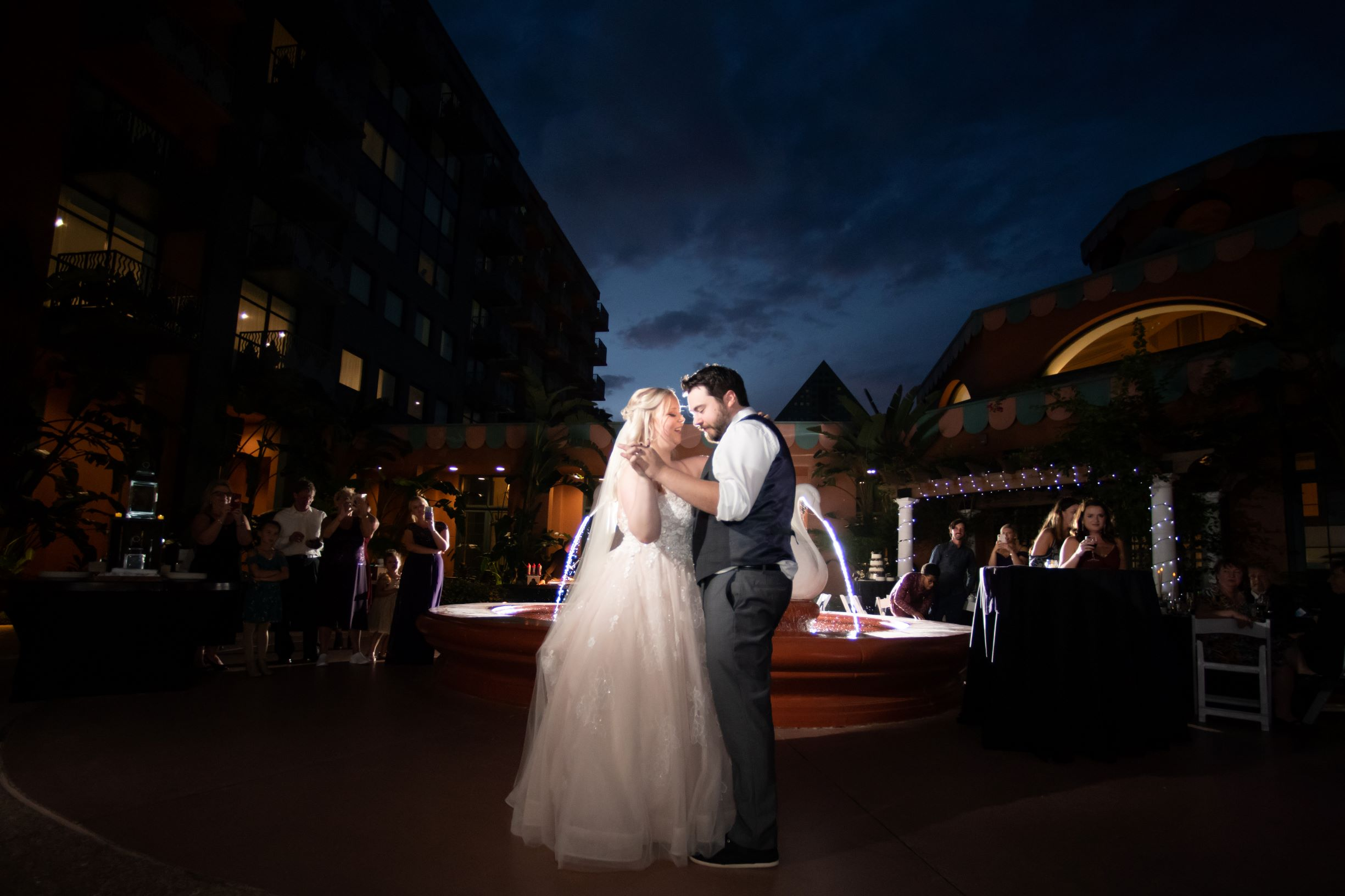 October Wedding Ideas | The Swan Wedding of Tiffany and Ross