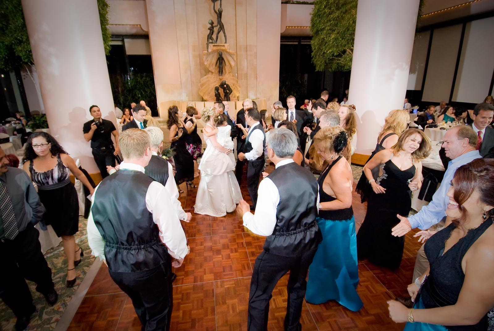 Important Wedding Guest Etiquette You Need to Know (Part 1)