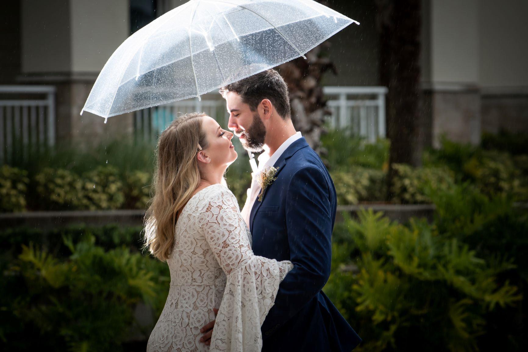Rainy Day Wedding | Lindsey and Jon at Margaritaville Resort