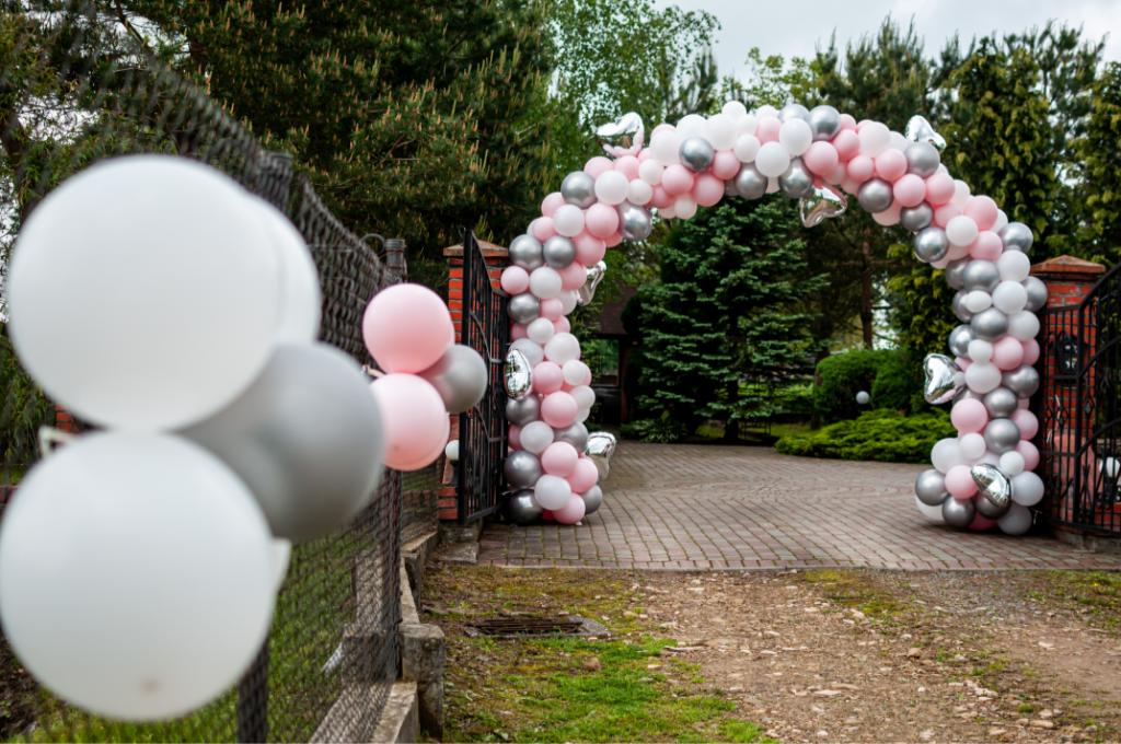 Wedding Entrance Decor Ideas - Just Marry Weddings - Balloon Arch